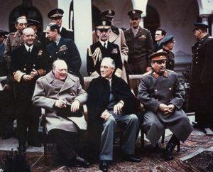 Churchill à la conférence de Yalta (février 1945), aux côtés de Roosvelt et Staline  15ème billet | Winston Churchill, peintre ! 10 300x242