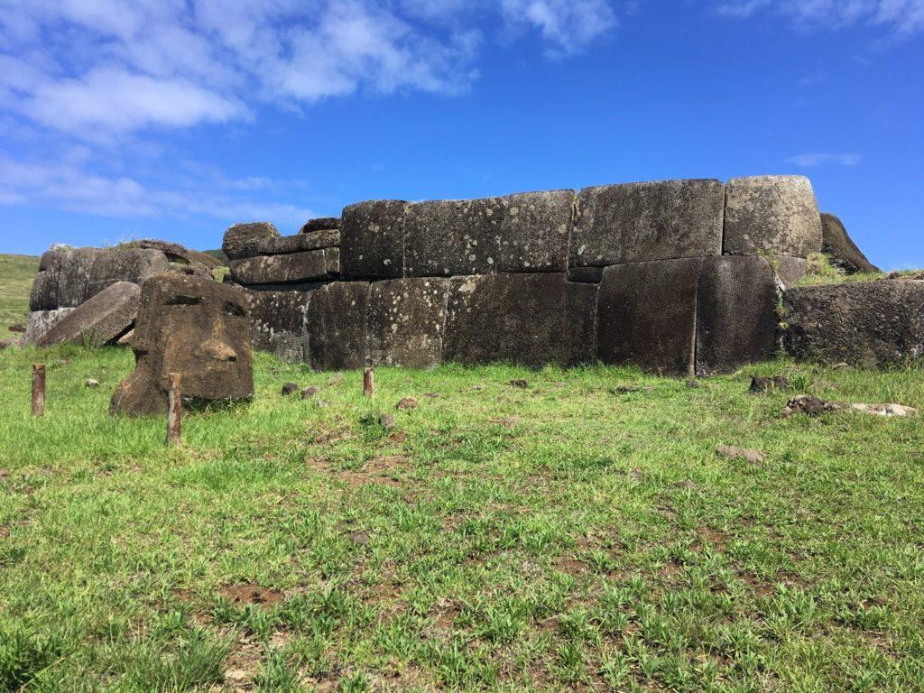 74ebillet| Les sculptures de pierre, ou moais, de l'Ile de Pâques 10 Fran  oise Revol OQuin FrancescArts francoiserevol oquin