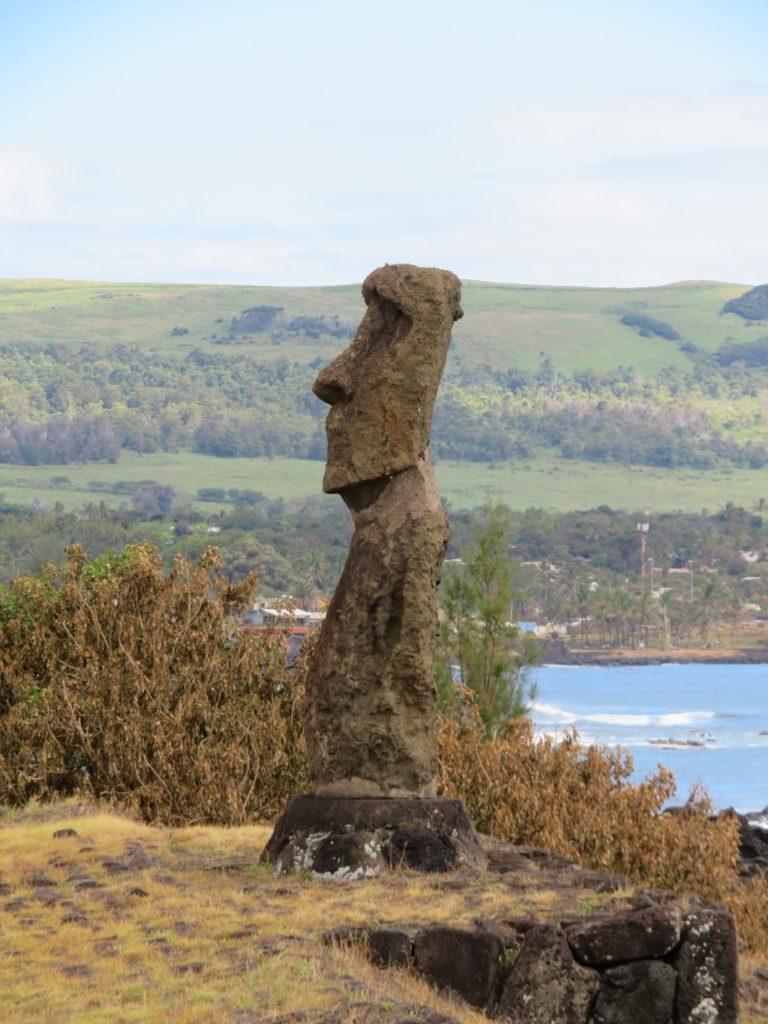 74ebillet| Les sculptures de pierre, ou moais, de l'Ile de Pâques 15 Fran  oise Revol OQuin FrancescArts francoiserevol oquin