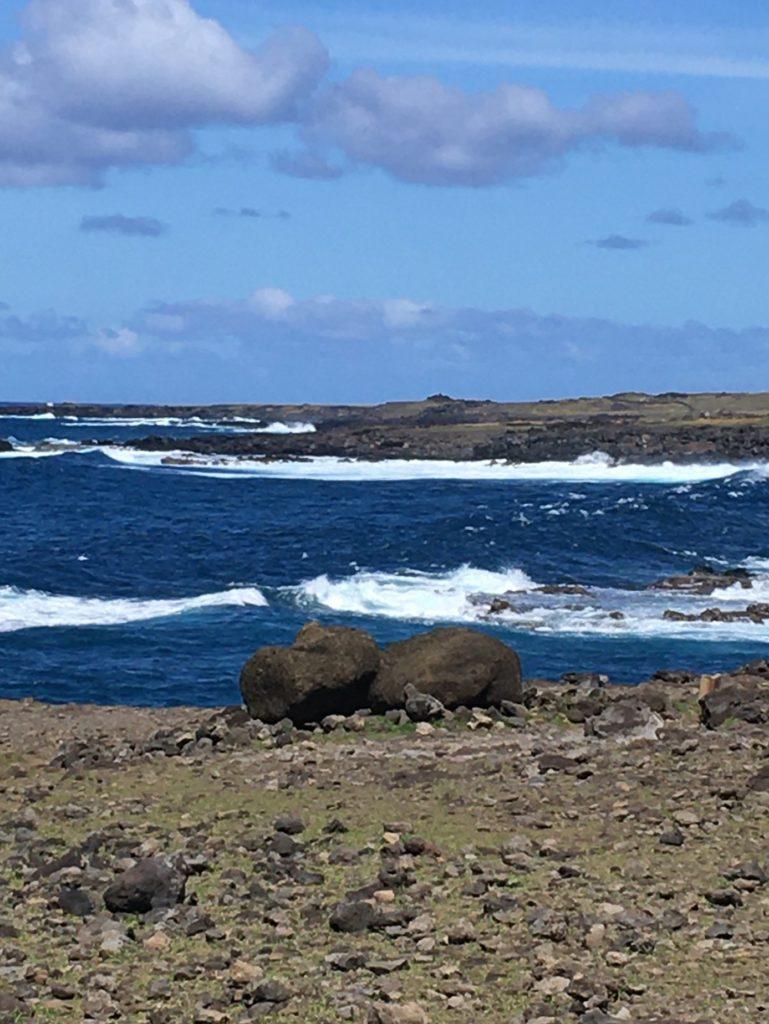 74ebillet| Les sculptures de pierre, ou moais, de l'Ile de Pâques 4 Fran  oise Revol OQuin FrancescArts francoiserevol oquin