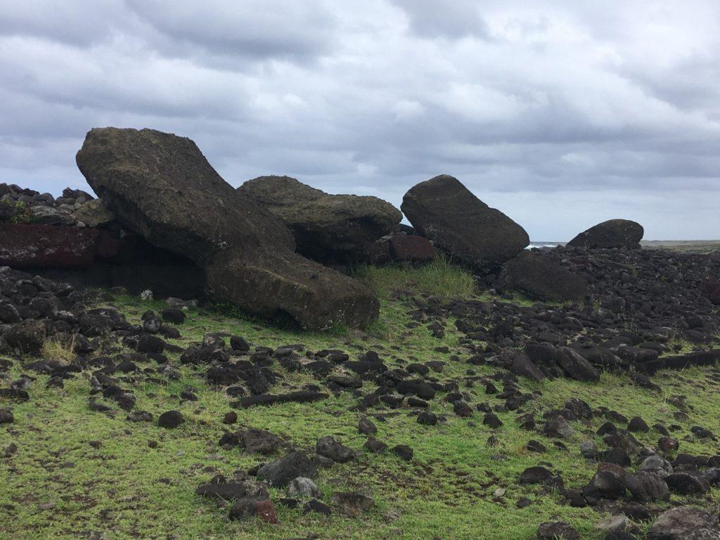 74ebillet| Les sculptures de pierre, ou moais, de l'Ile de Pâques 5 Fran  oise Revol OQuin FrancescArts francoiserevol oquin