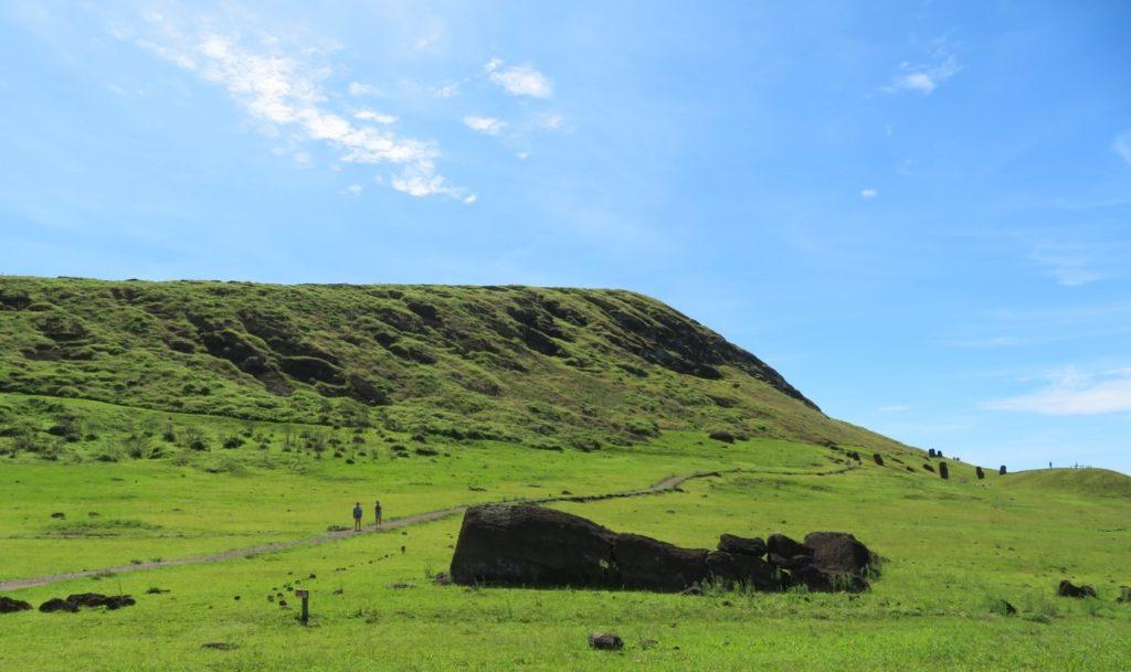 74ebillet| Les sculptures de pierre, ou moais, de l'Ile de Pâques 7 Fran  oise Revol OQuin FrancescArts francoiserevol oquin